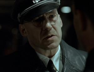 Si Hitler apparaît dans le film, sa participation majeure au génocide n'est pas mise en avant, et le personnage passe pour raisonnable en s'opposant aux dernières folies du dictateur.