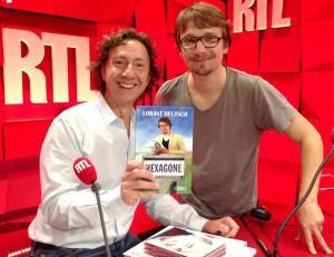 Deutsch en pleine promotion d'Hexagone chez son ami et soutien Stéphane Bern.