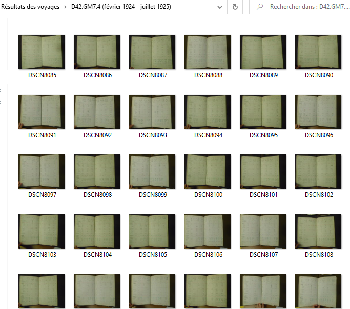 Dossier contenant des photos de documents
